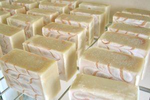 手作り石鹸の模様の付け方
